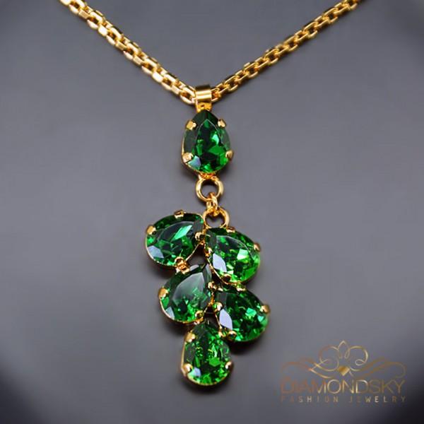 "Kulons ""Amber II (Dark Moss Green)"" ar Swarovski™ kristāliem"