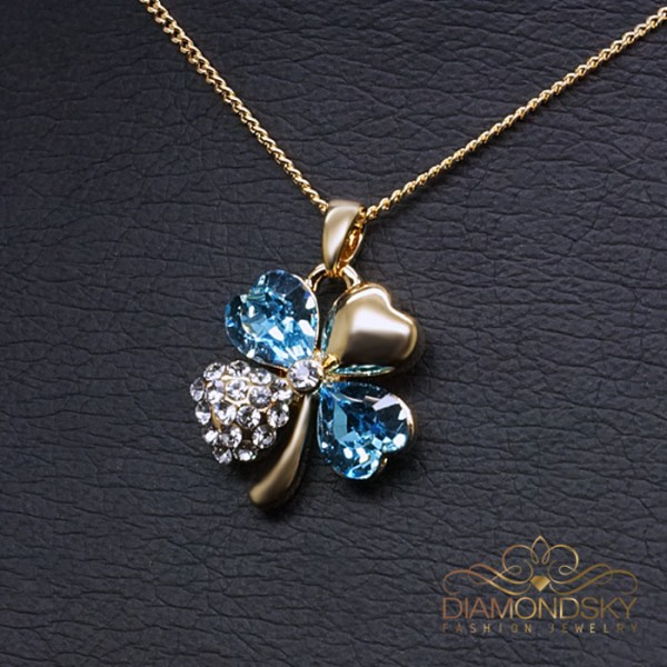 """Kulons """"Āboliņš (Aquamarine Blue)"""" ar Swarovski™ kristāliem"""
