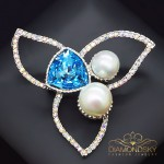 """Broša """"Lotoss (Aquamarine Blue)"""" ar Swarovski™ kristāliem"""