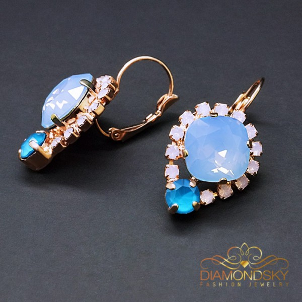 "Auskari ""Dīva II (Air Blue Opal)"" ar Swarovski™ kristāliem"