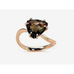 """Zelta gredzens ar dūmakaino kvarcu """"Bermudu Trīsstūris"""" no 585 proves sarkanā zelta"""